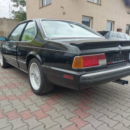 BMW M6 Czarna Sprzedana - www.car-classic.pl_3