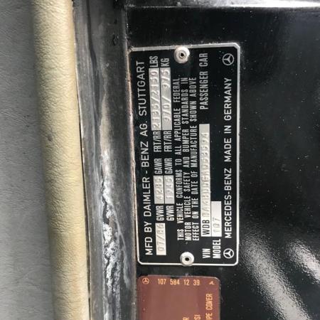 Mercedes 560SL R107_12