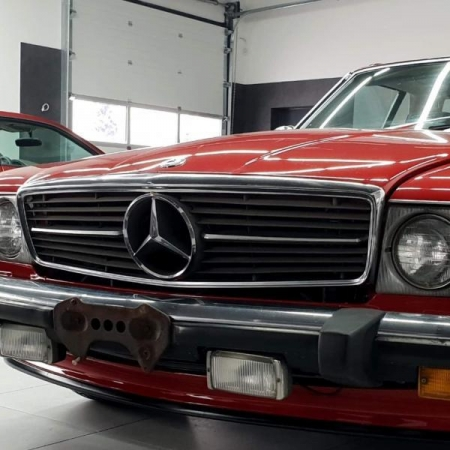 Mercedes SL560 RED_1