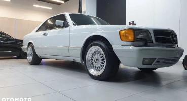 Mercedes sec560 1990 biały z czerwonym wnętrzem