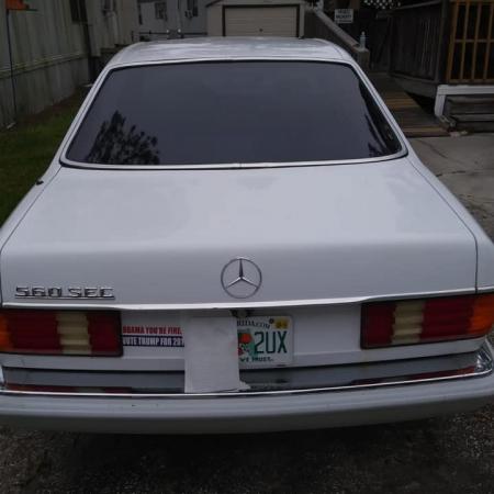 Mercedes SEC 560 Czerwone Wnętrze