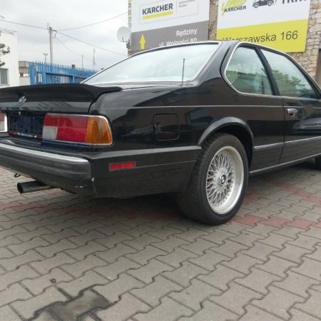 BMW M6 Czarna Sprzedana - www.car-classic.pl_4